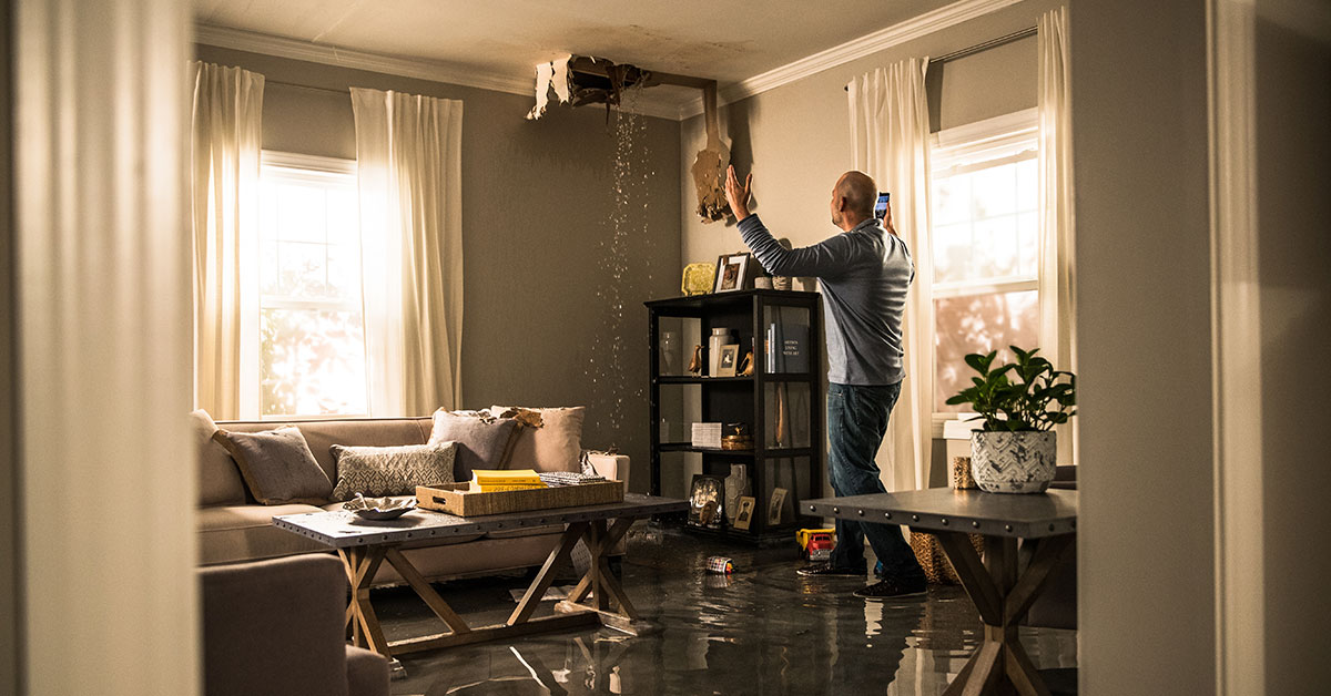 Hiring The Best Water Damage Restoration Service In Restoration: Top Tips!