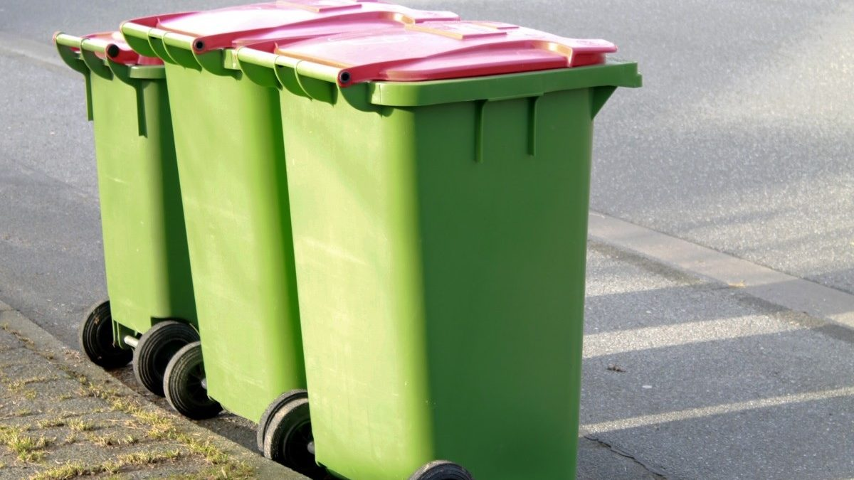 Dispose Household Trash at a Reasonable Price With a Junk Removal Service